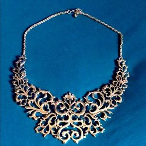 Silver colored collar necklace